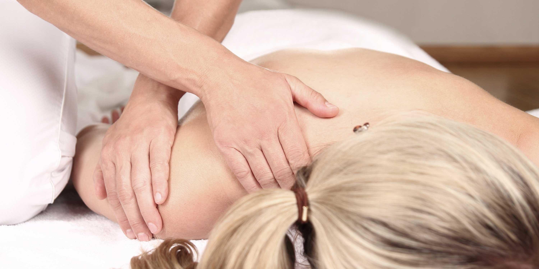 Hella Peter - Praxis für Osteopathie Kiel - Behandlung